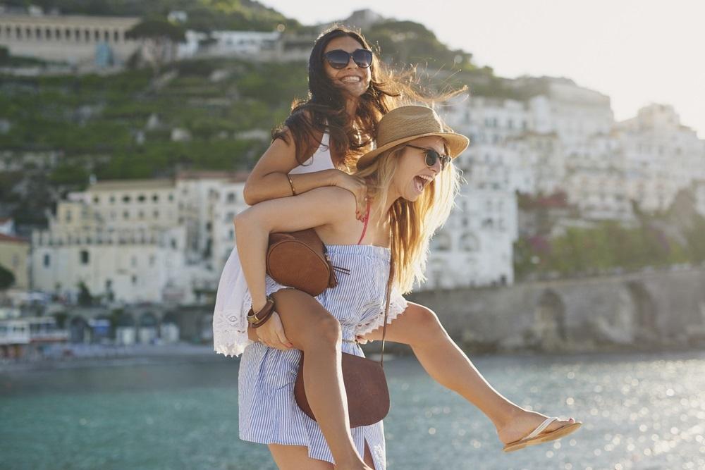 Met een vriendin op vakantie gaan